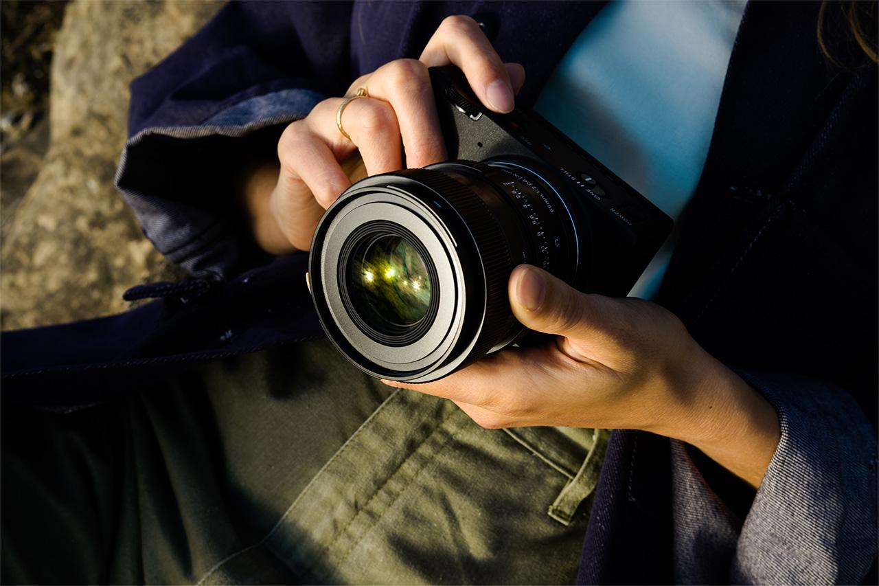 """""""Korzystam z mojej twórczej wizji do uchwycenia tego, co mnie inspiruje"""". Obiektyw SIGMA 65mm F2 DG DN Contemporary w rękach Pauline Chardin"""